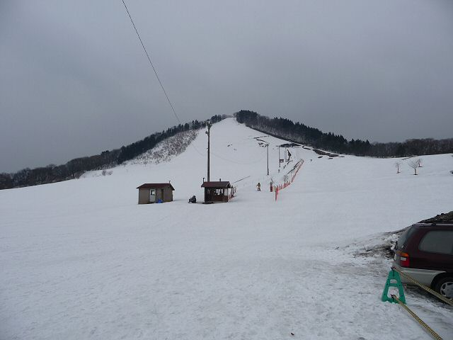 昼営業最終日の薬師山スキー場:...